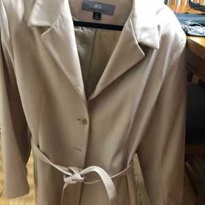 EUC Gorgeous Anne Klein Taupe Trench Coat Size XL
